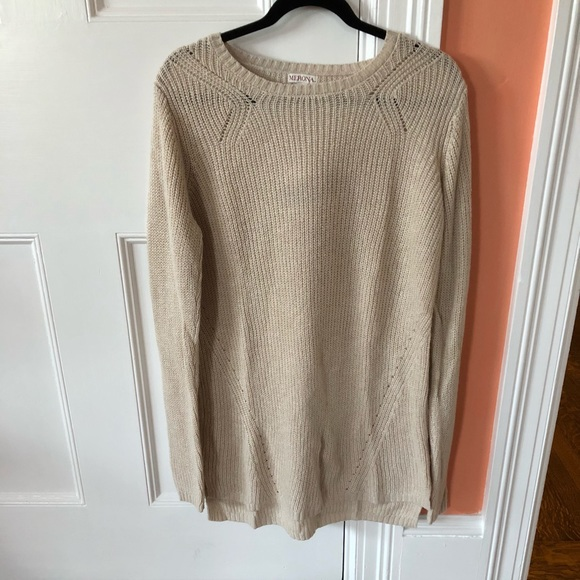 ece4678321e8 Women s Cream Sweater Dress. M 5aa4519bdaa8f66bbcff7311